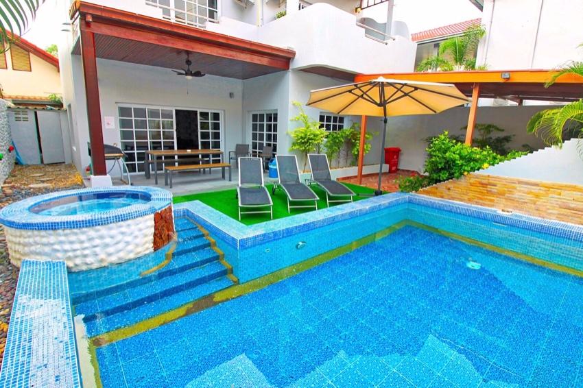 Finance Available Pool Villa Downtown Pattaya