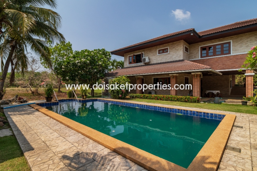 (HS236-04) Spacious 2 Storey House For Sale with a Private Pool