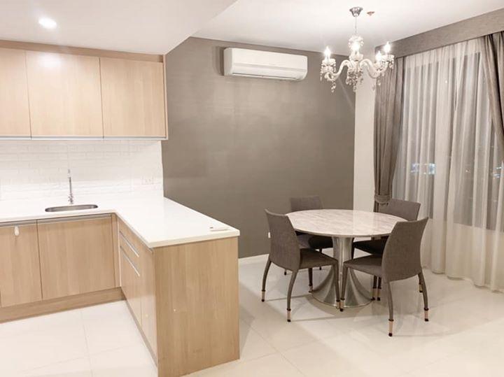 Villa Asoke condo for sale 1 bedroom duplex on Petchaburi road .