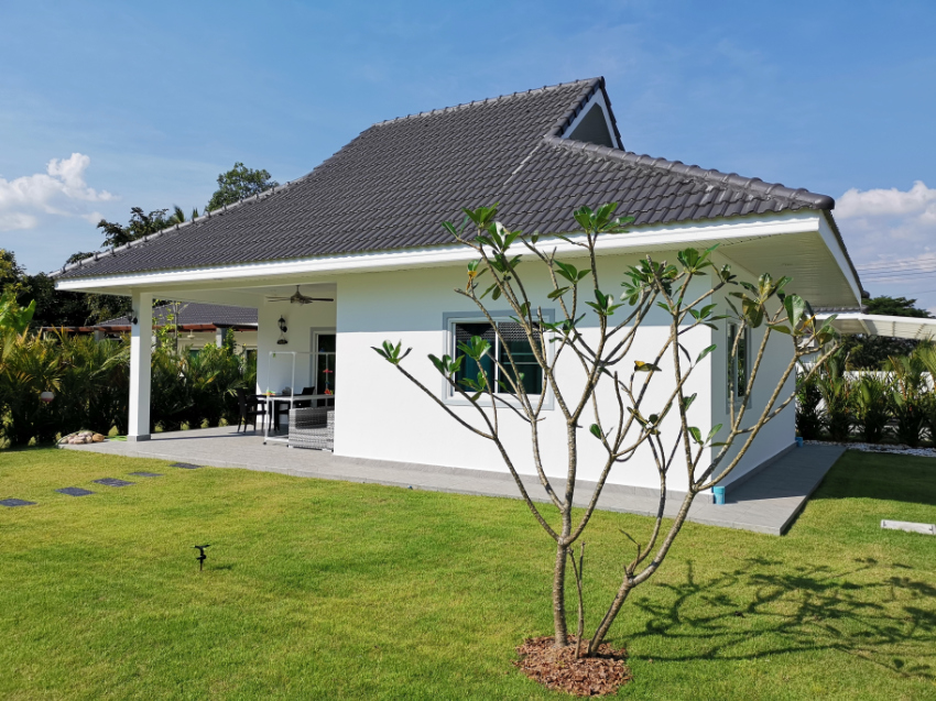 New house for sale in beautiful area of Laem Mae Phim