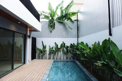 For Rent - 400 sqm Detached House with Private Pool in Sukhumvit 49