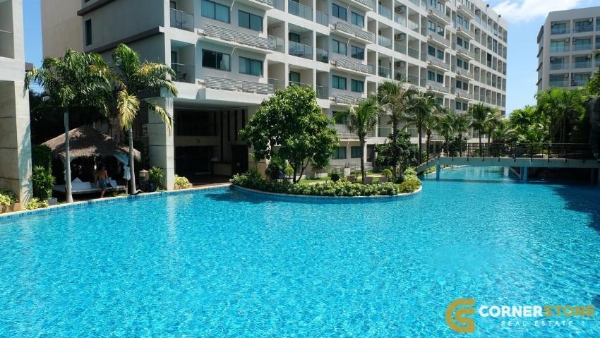 #1011 Beautiful Studio  For Sale In Laguna Beach Resort 3 Maldives