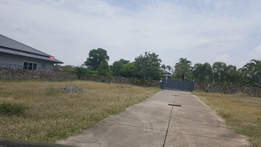 3 PLOTS OF LAND FOR VILLAS.  LAND FOR SALE Near Horseshoe Point