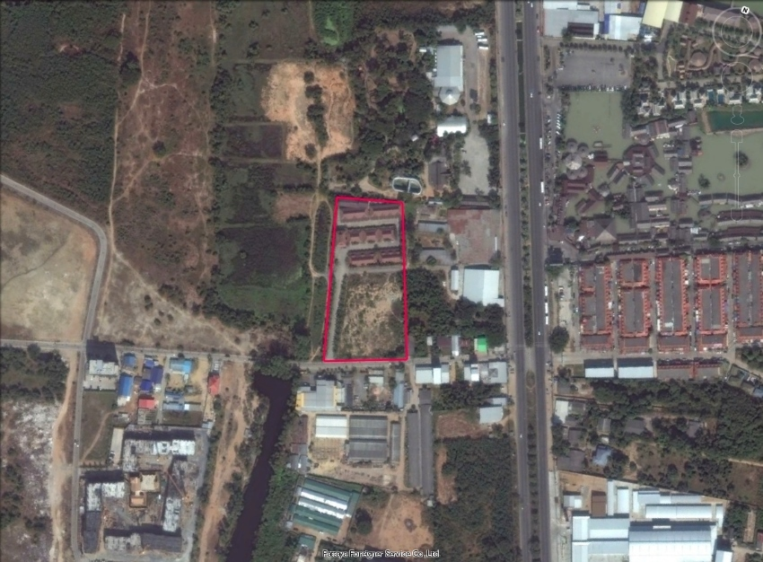Land opposite floating market with 40 rooms resort