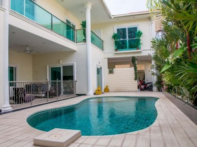 SUBSTANTIAL POOL VILLA IN PATTAYA'S BEST LOCATED VILLAGE ON IT'S BEST