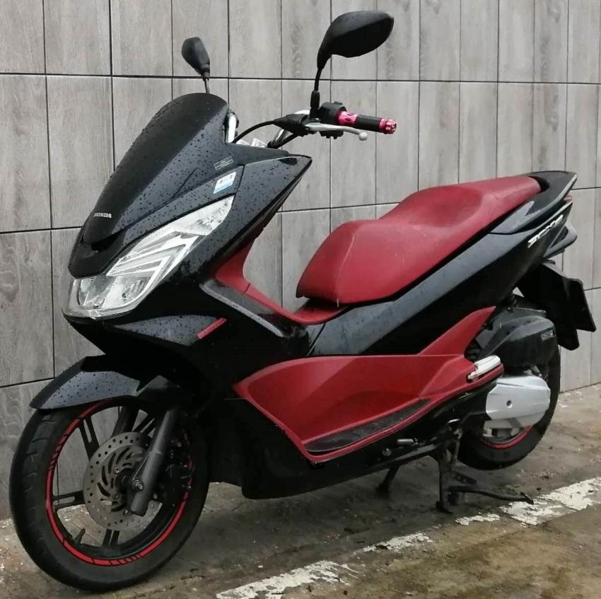 04/2015 Honda PCX-150 LED 55.900 ฿ Finance by shop