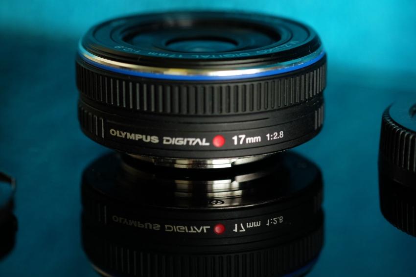 Olympus M.Zuiko Digital 17mm f/2.8 Black Lens
