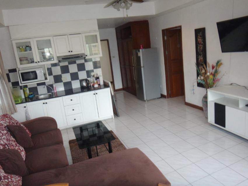 Corner 7th floor one bedroom Jomtien condo