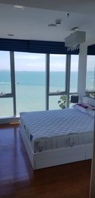 Palm wongamat Absolute beachfront unit