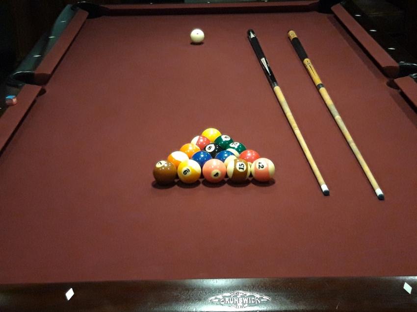 Classic Brunswick Bridgewater Pool Table for Sale  8 x 4ft