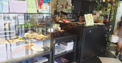 0149244 Cafe with Rented Office Space and Accommodation in Ekkamai