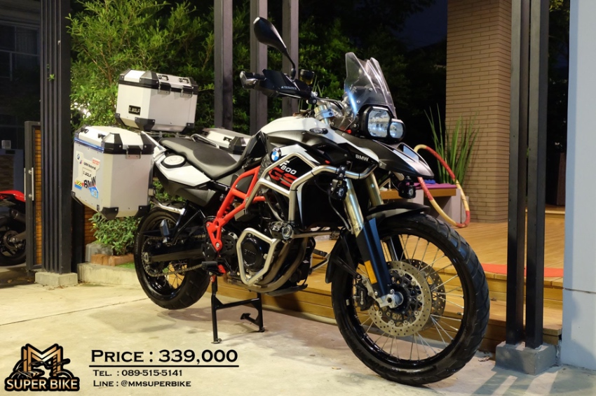 BMW F800 GS 2016 at a very valuable price with side panniers + top box