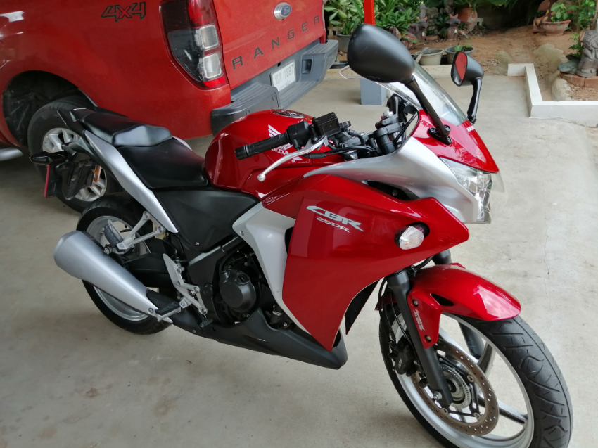 Honda CBR250R ABS, excellent condition, low mileage