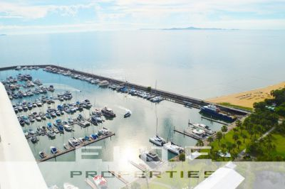 Newly Renovated Modern Luxury 2 Bedroom In A Private Beachfront Marina