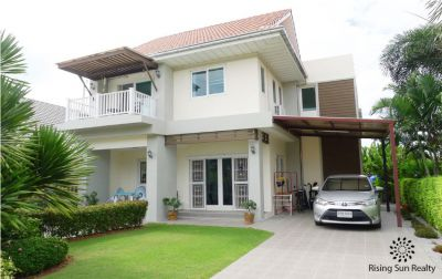 2 Storey house with beautiful garden (soi 70)