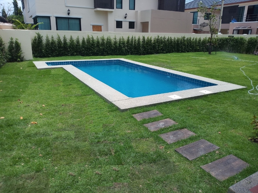 New House With Swimming Pool For sale
