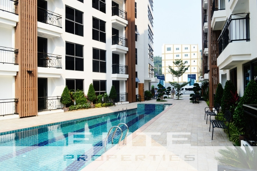 Modern Style One Bedroom in a Boutique Development close to the Beach!