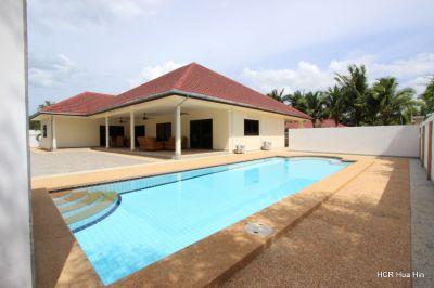 Large 4 bedroom pool villa for sale