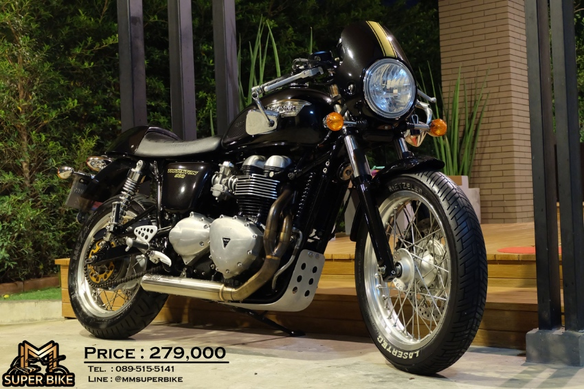 Triumph Thruxton 900 2015 with Zard exhaust and only 8,3xx kms!!