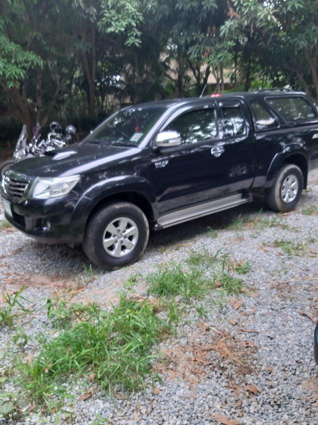 Toyota highlux vigo 2,5,  extra cab excellent condition
