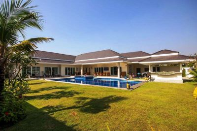 Exceptional 5-Bed Pool Villa in Hua Hin near Palm Hills Golf