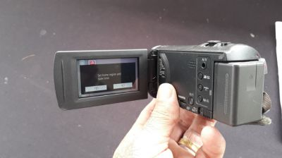 Panasonic HC-V270 Camcorder with bag  - Memory card -  excellent cond