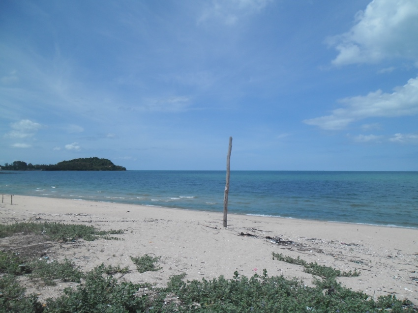 BEAUTIFULL BEACHFRONT LAND FOR SALE
