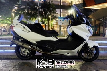 Suzuki Burgman 650 2017 with Leovince Full Syetem Exhaust.