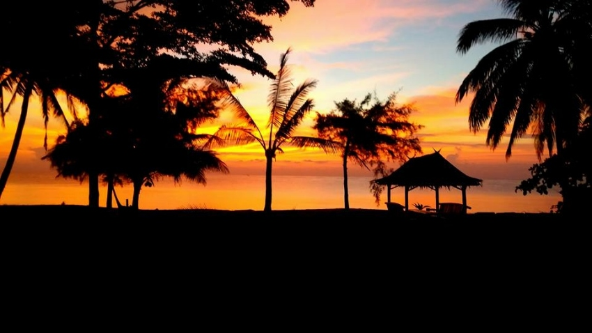 Beautiful absolute beach front land for Sale