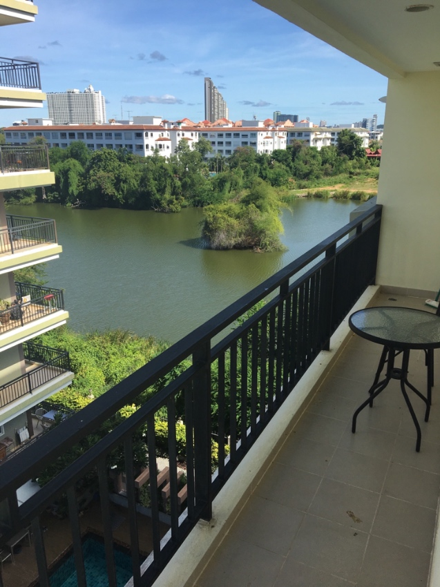 Corner unit, 49 sqm, 6th floor in foreign name