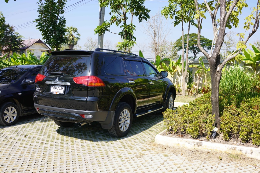 Beautiful Mitsubishi Pajero Sport 2013 with low milage only THB550,000