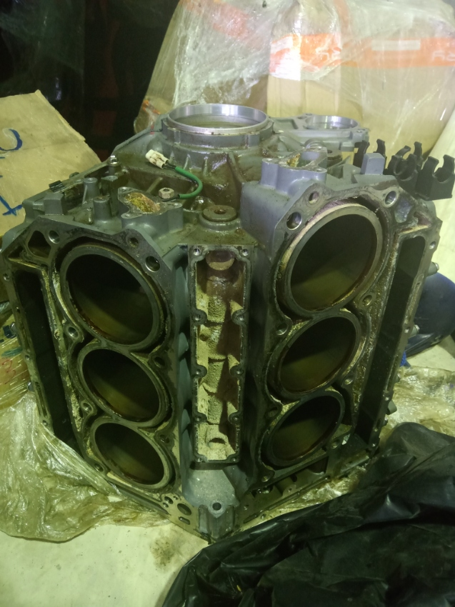 Selling spare parts for Suzuki DF250