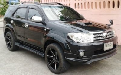 Toyota Fortuner 3.0 for Sale Pay down for foreigner