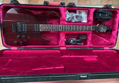 JamesTyler JTV-89F Variax Guitar with Gator Hard Case Like New