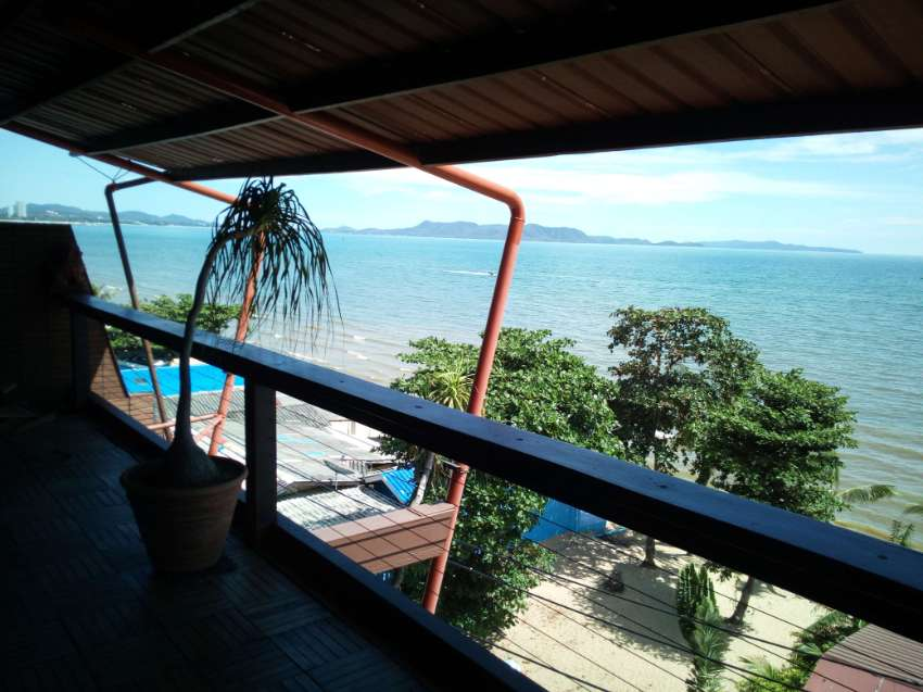 Private Condo, Penthouse, Beachfront, just 20 meters away