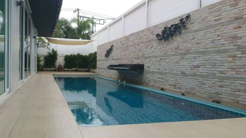 Good investment ,Luxury Pool Villa 4 BD 4BR  in  Jomtien Pattaya