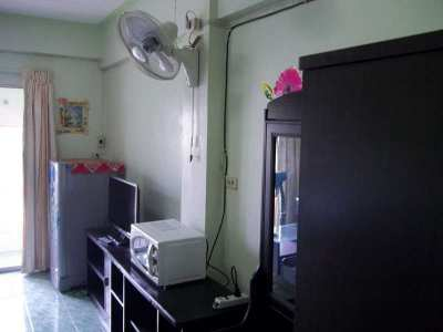 Ground floor -1 st floor- Nirun condo for rent. Only 3 stairs ro enter