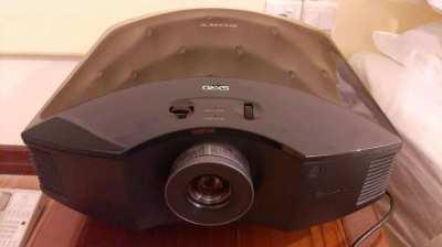 Sony VPL-HW30ES Full HD 3D Projector
