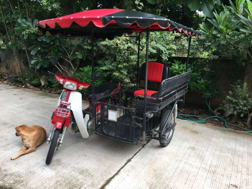 Honda Dream with Sidecar for Sale