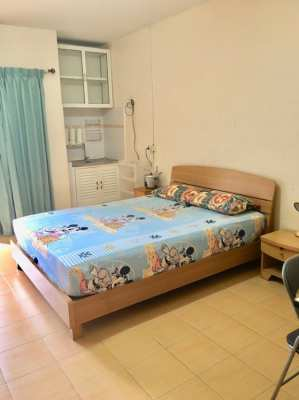 High floor St Condominium fuly furnished.