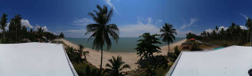 AWESOME BEACHFRONT HOUSE - REDUCED 1.95 Mbht