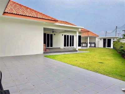 3 Bedroom – 4 Bathroom Villa in Hua Hin, Wang Pong, near Khao Tao