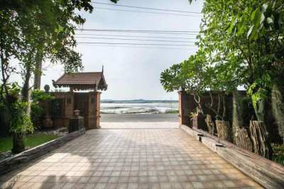 Thai style house 2 beds/2baths for rent