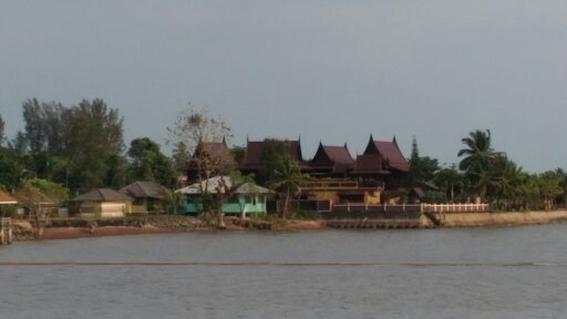 4 Thai Houses Style for sale with great sea views in Laem Ngop, Trat.