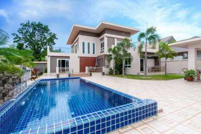 Beachside Bang Saray - Modern 5 Bedroom Villa