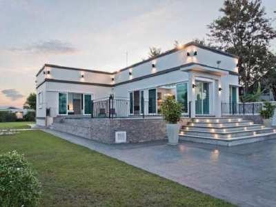 HS1510 Luxury house with 3 bedroom for sale
