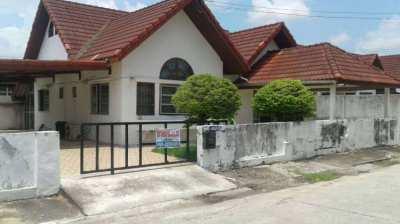 THAI HOUSE TO SELL IN BAN NONTOON  just near Khon Kaen city.