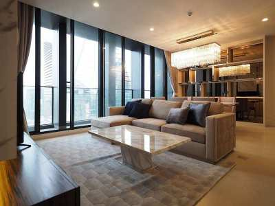 Luxury  2 bedrooms condo for rent at Noble Ploenchit
