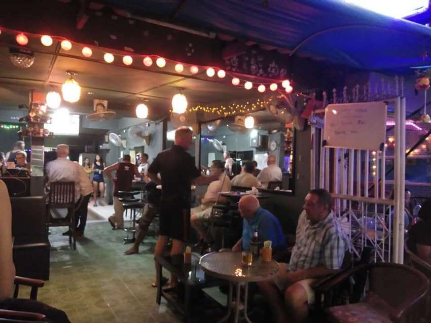 Popular Beer Bar / Pool Bar in Hua Hin For Sale. High Season Ready!