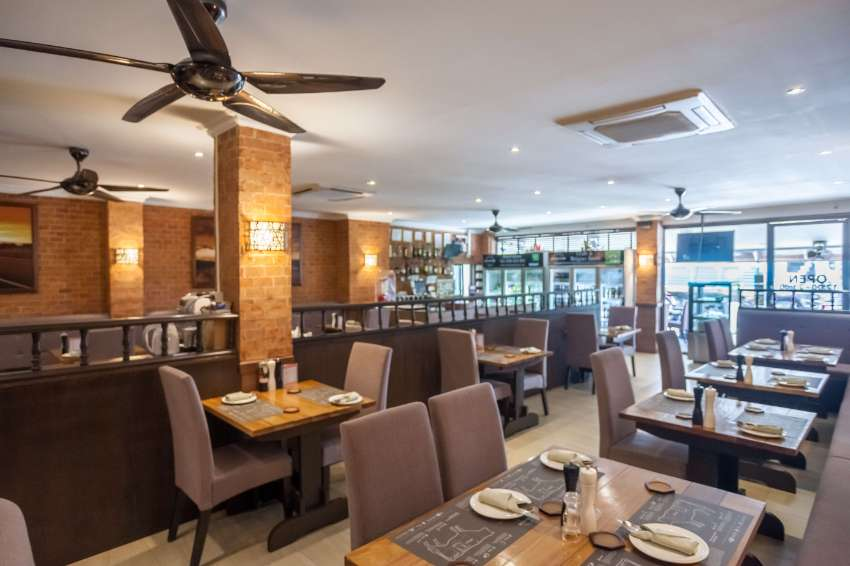 Two Established Restaurants & 18 Room Guesthouse in Central Pattaya